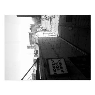 Ärliga Eds, Toronto vykort med CN-torn