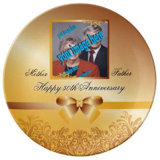 Årsdaganpassade för guldbröllop 50th tallrik av porslin