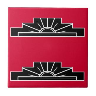 Art décomotiv i B&W och rött Liten Kakelplatta