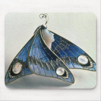 Art nouveauhänge i bilda en fjäril, c.190 musmatta