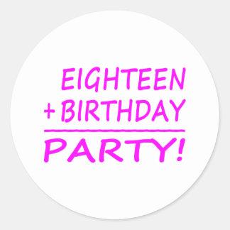Artonde födelsedagar: En arton + Födelsedag = Runt Klistermärke