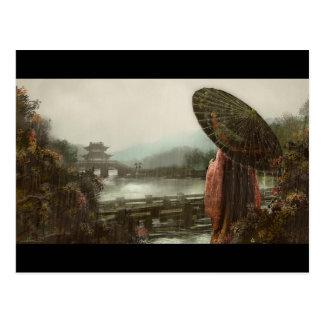 Asiatisk kvinna för vintage i traditionell dress vykort