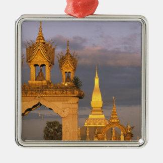 Asien Laos, Vientiane. Den Luang Temple. Julgransprydnad Metall