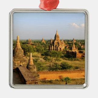 Asien Myanmar (Burma), Bagan (Pagan). Olikt Julgransprydnad Metall