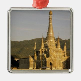 Asien Myanmar, Inle sjö. Pagodas. Julgransprydnad Metall