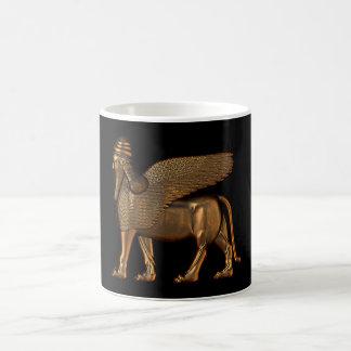 Assyrisk guld- mugg för lamassu (wingedball)