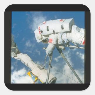 Astronaut i utrymme. _Space> Fyrkantigt Klistermärke