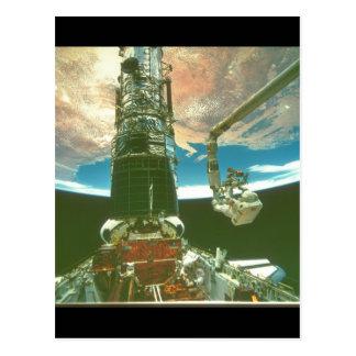 Astronaut på arm. _Space Vykort