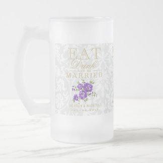 Äta, drinken och att gifta sig - purpurfärgat frostat ölglas