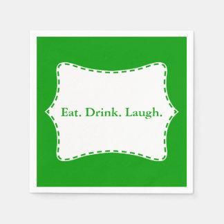 Äta gränsen för drinkskrattvit på grönt pappersservett