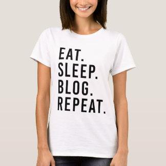 ÄTA. SÖMN. BLOGG. REPETITION. ModebloggareT-tröja Tshirts