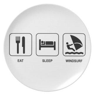 Äta sömn vindsurfar tallrik