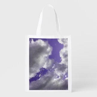 Återvinningsbara purpurfärgade himmlar hänger lös återanvändbar påse