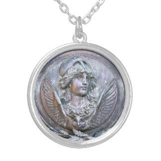 Athena skyddar silverpläterat halsband
