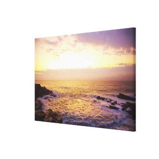 Atlantic Ocean på soluppgången, beskådar från Canvastryck