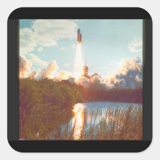 Atlantis launch_Space Fyrkantigt Klistermärke