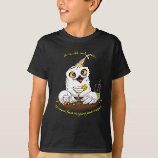 Att att vara gammal och klok uggla t-shirts