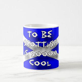 Att att vara skotskt är sooocoolan vit mugg