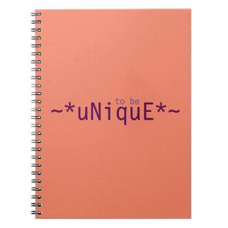 Att att vara unikt anteckningsbok med spiral