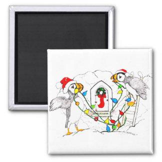 Att dekorera för julHornedbill Puffins bygga bo Magnet