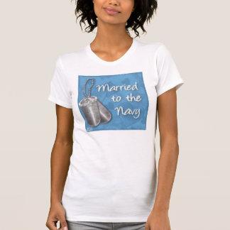 att gifta sig till marinen t shirt