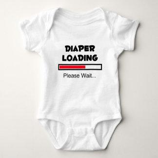 Att ladda för blöja - behaga väntan… tee shirt