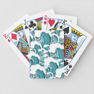 Att rasa vinkar leka kort spelkort