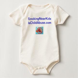 Att röka nära ungar är body för baby
