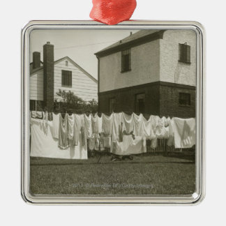 Att tvätta fodrar utanför hus silverfärgad fyrkantigt julgransprydnad