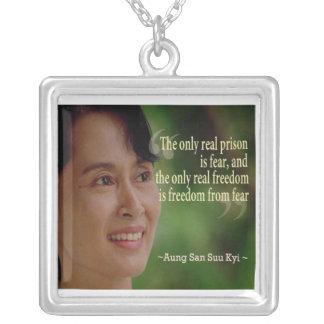 Aung San Suu Kyi halsband