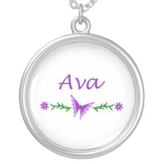 Ava (purpurfärgad fjäril) halsband med rund hängsmycke