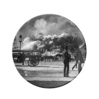 AVFYRAR COLUMBIAN UTLÄGGNING 1892 FÖR VÄRLDEN DEN PORSLINSTALLRIK