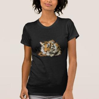 Avlägsen tiger tee shirts
