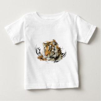 Avlägsen tiger tshirts