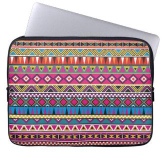 Aztec inspirerat mönster laptopskydd fodral