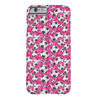 B&W-fotbollbollar på den rosa iphone case Barely There iPhone 6 Fodral