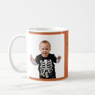 Baby 1st för personlighappy halloweenhälsningar vit mugg