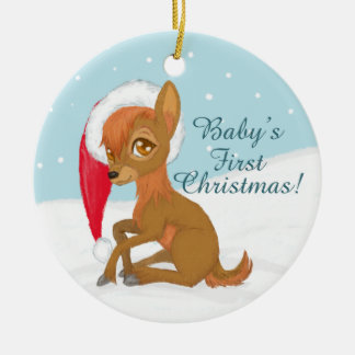 Baby första jul (renen) rund julgransprydnad i keramik