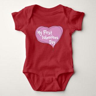 Baby första valentines day tee shirt
