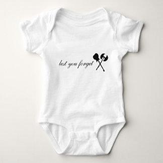 Baby med yxalogotypen tröjor