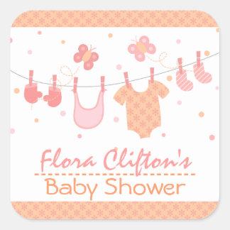 Baby shower: Barnkläder på klädstreck Fyrkantiga Klistermärken