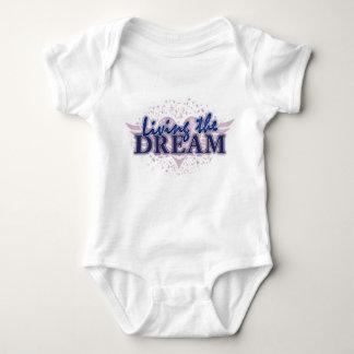 Baby som bor drömmen tee shirts