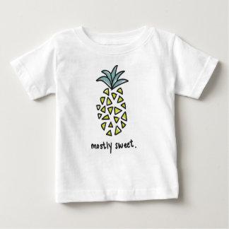 """Baby/ungar """"mestadels sött"""" ananasutslagsplats t shirt"""