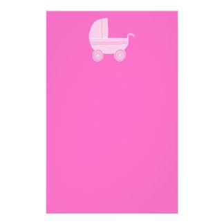 Babybarnvagn. Tända - den rosa och ljusa pink.en Full Färg Flygblad