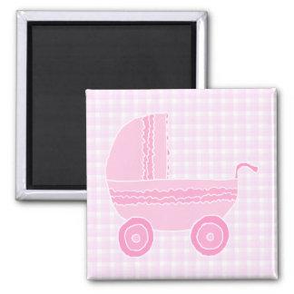 Babybarnvagn. Tända - rosor på rosa Gingham. Magnet