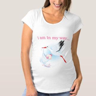 Babyen är den kommande kvinna moderskapT-tröja Tee