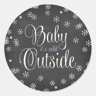 Babyen är det den kalla baby shower för runt klistermärke