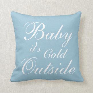 Babyen är det den kalla yttersidan kudder kudde