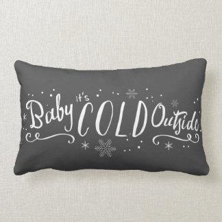 Babyen är det den kalla yttersidan kudder lumbarkudde
