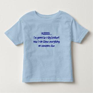 Babymeddelandestorebror - någon som ska klandras tee shirts